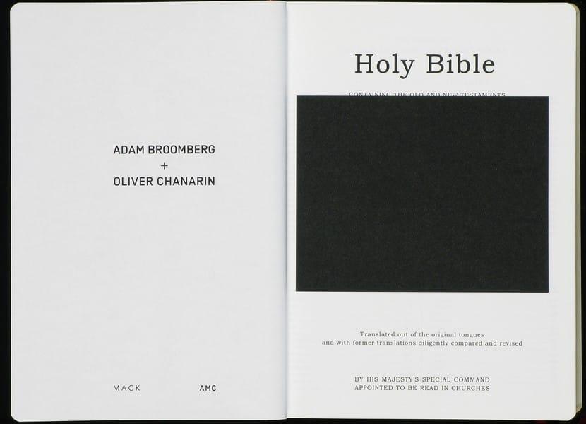 Holy_Bible_01.jpg